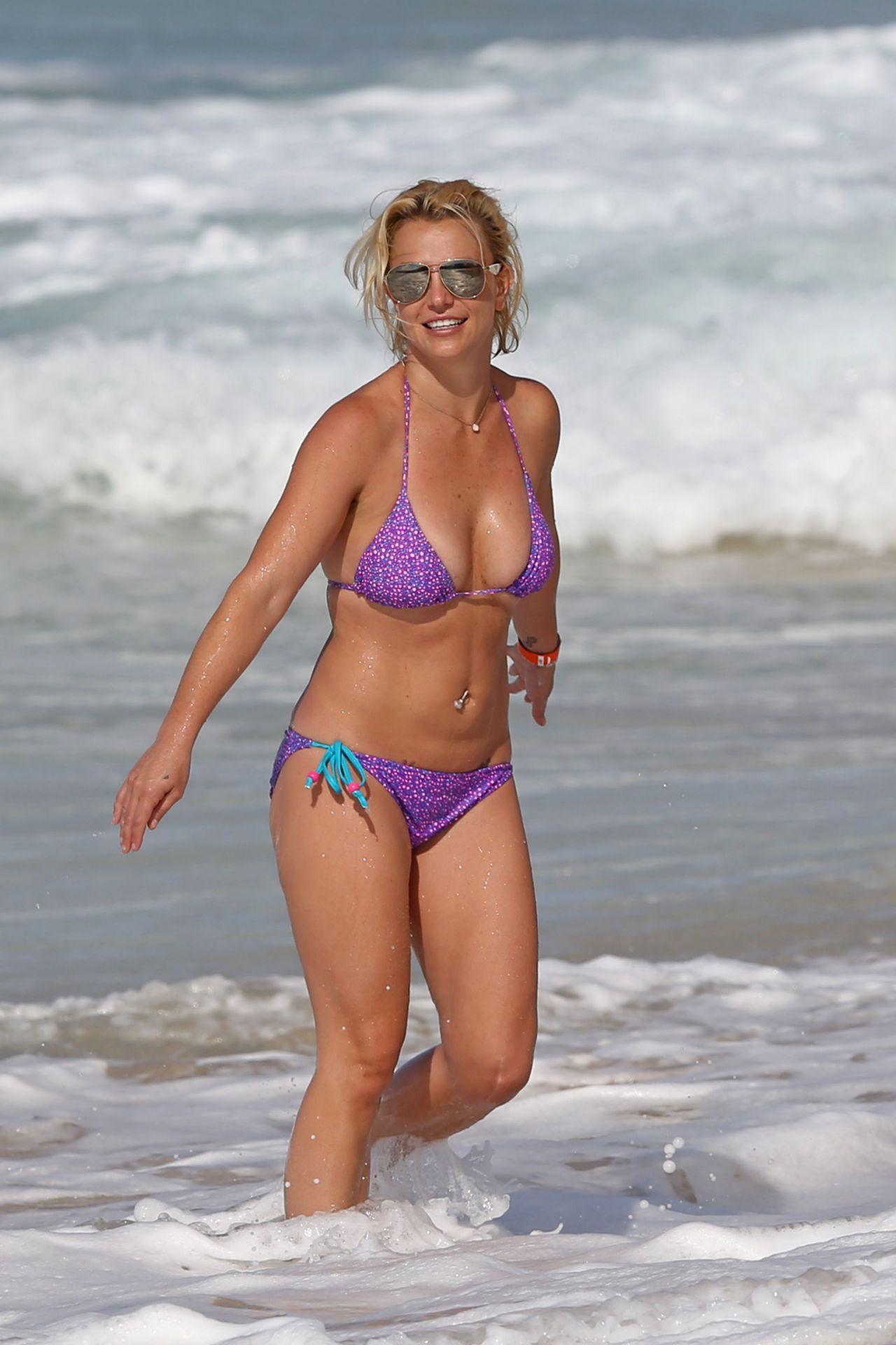 Britney Spears On A Beach In A Bikini In Hawaii July 2015