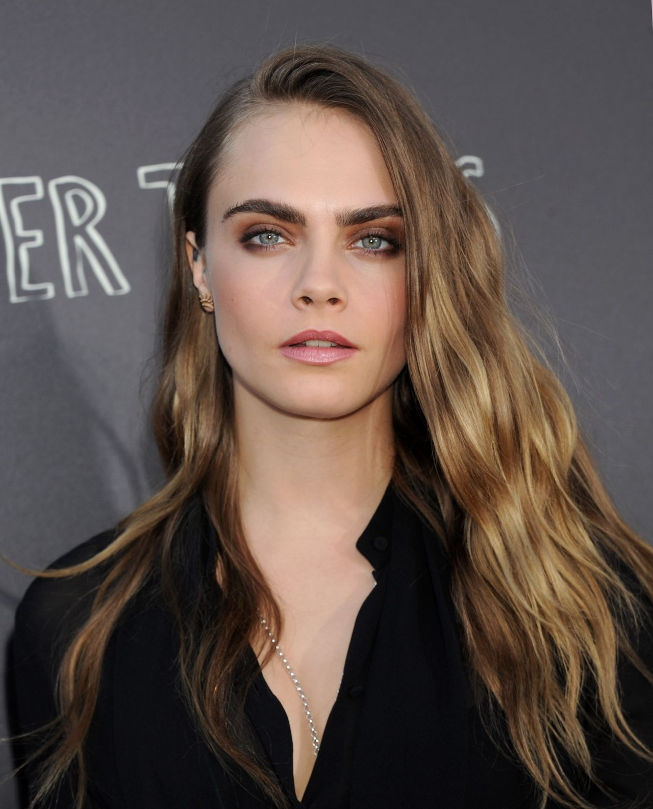 Cara Delevingne Paper Towns Q Amp A And Concert In Los Angeles