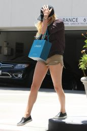 Chloe Moretz Leggy in Shorts - Hiding From Paps in LA, July 2015