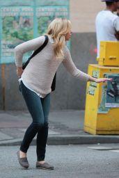Chloe Moretz - Set of