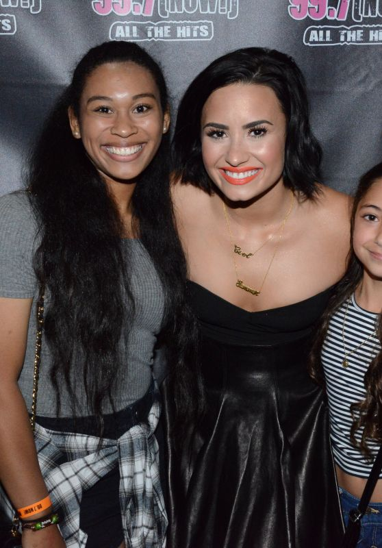 Demi Lovato - Poses With Fans at Cool for Summer Party in San Francisco, July 2015