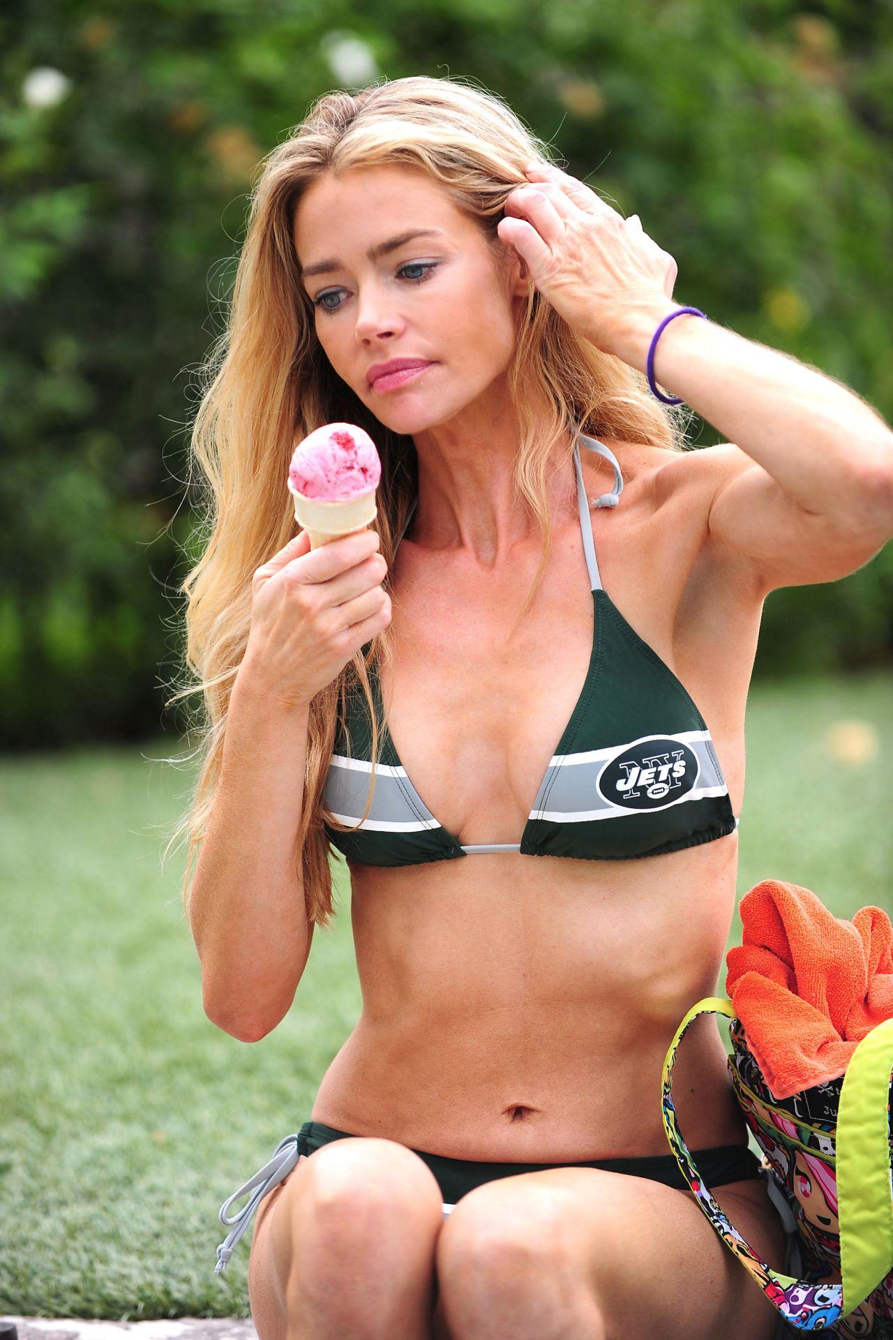 Bikini Licking 57