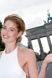 Doutzen Kroes - Mercedes-Benz Press Vernissage in Berlin, July 2015