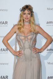 Doutzen Kroes on Red Carpet – amfAR Dinner in Paris, July 2015