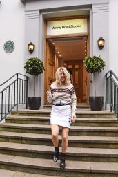 Ellie Goulding - Photoshoot and BTS at Abbey Road Studios - Westminster, London