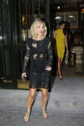 Elsa Pataky - Leaves the Elle Gourmet Awards 2015 in Madrid