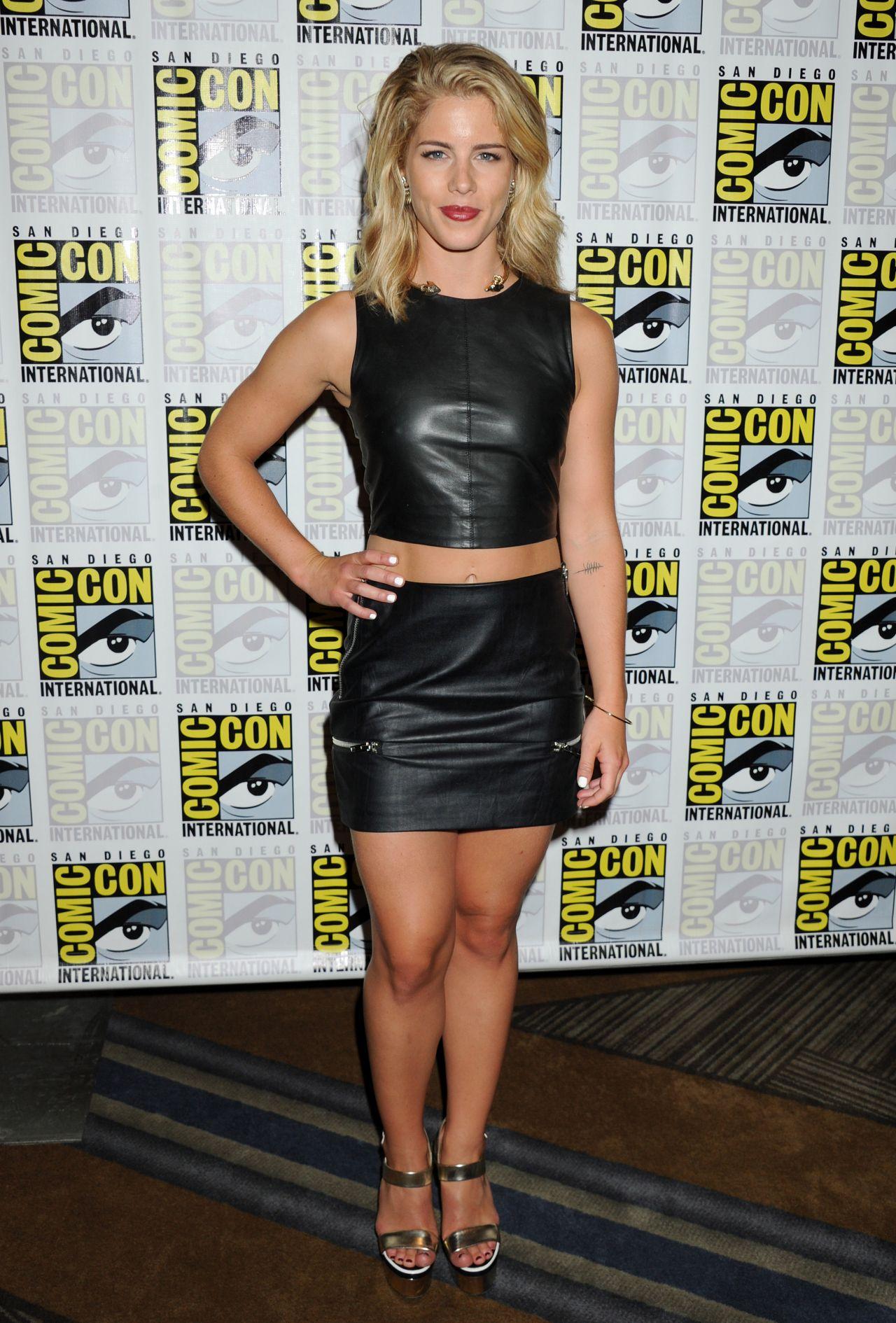 Emily Bett Rickards - Arrow Press Line at Comic-Con in