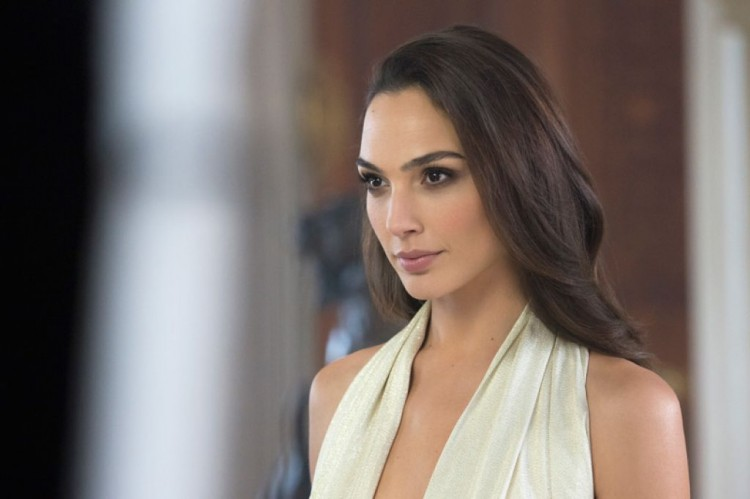 gal-gadot-photoshoot-for-gucci-bamboo-fragrance-2015-campaign_1