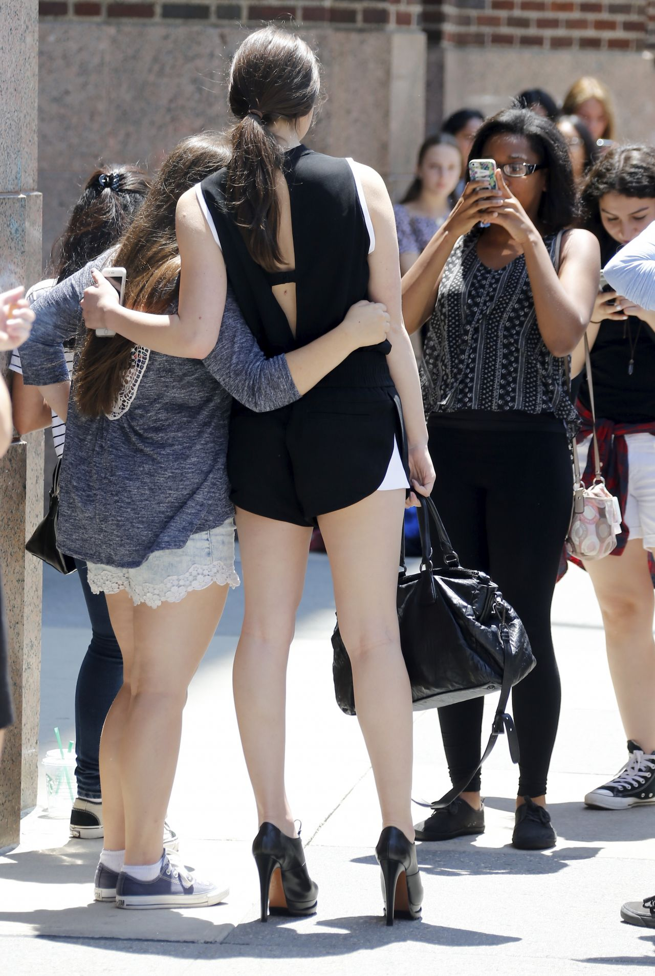Hailee Steinfeld Out In NYC, Street Style, July 2015
