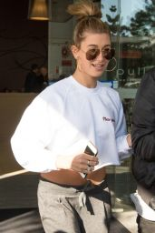 Hailey Baldwin - Leaving Her Hotel in Sydney, Australia, June 2015