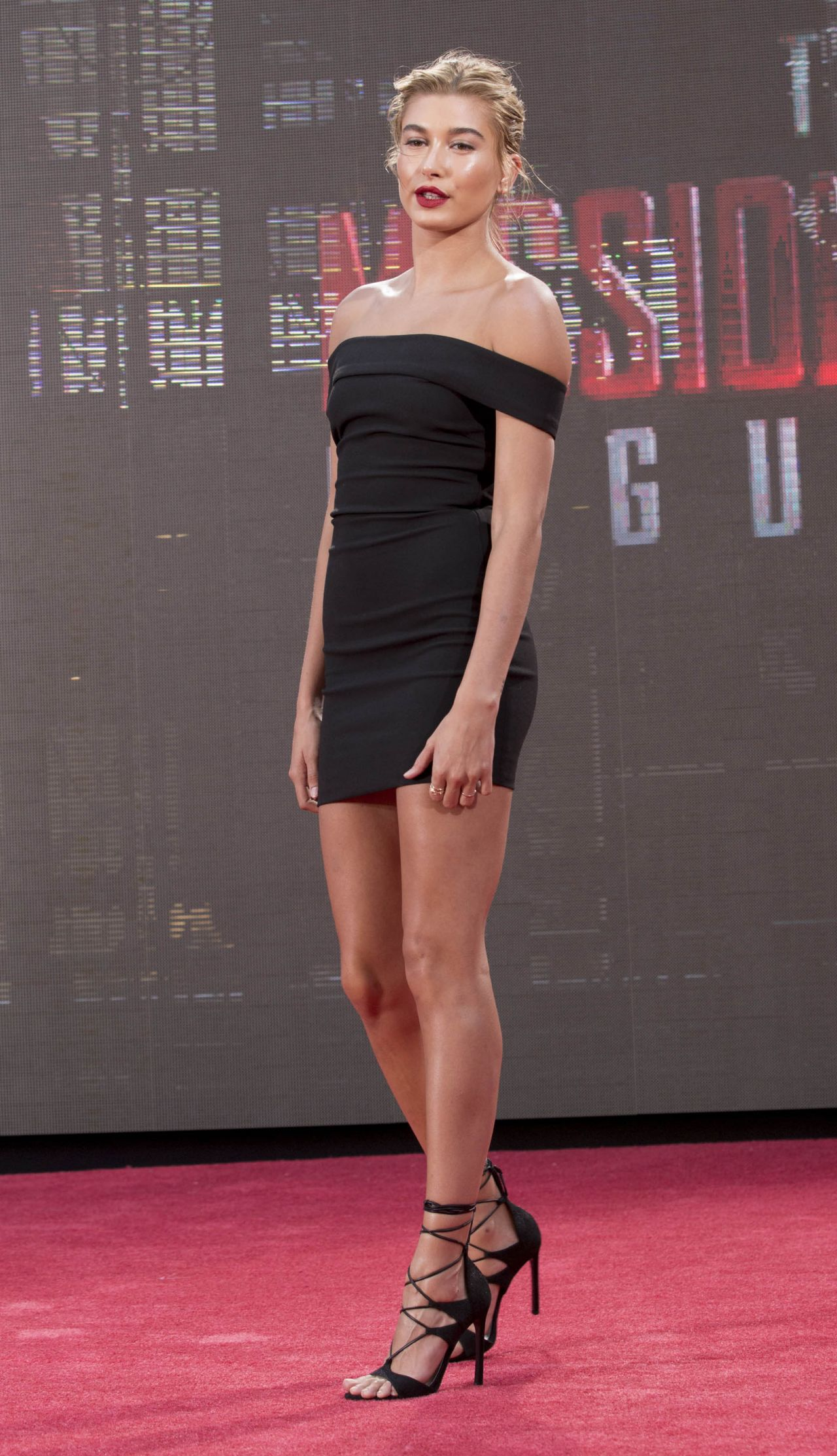 Hailey Baldwin Mission Impossible Rogue Nation Premiere