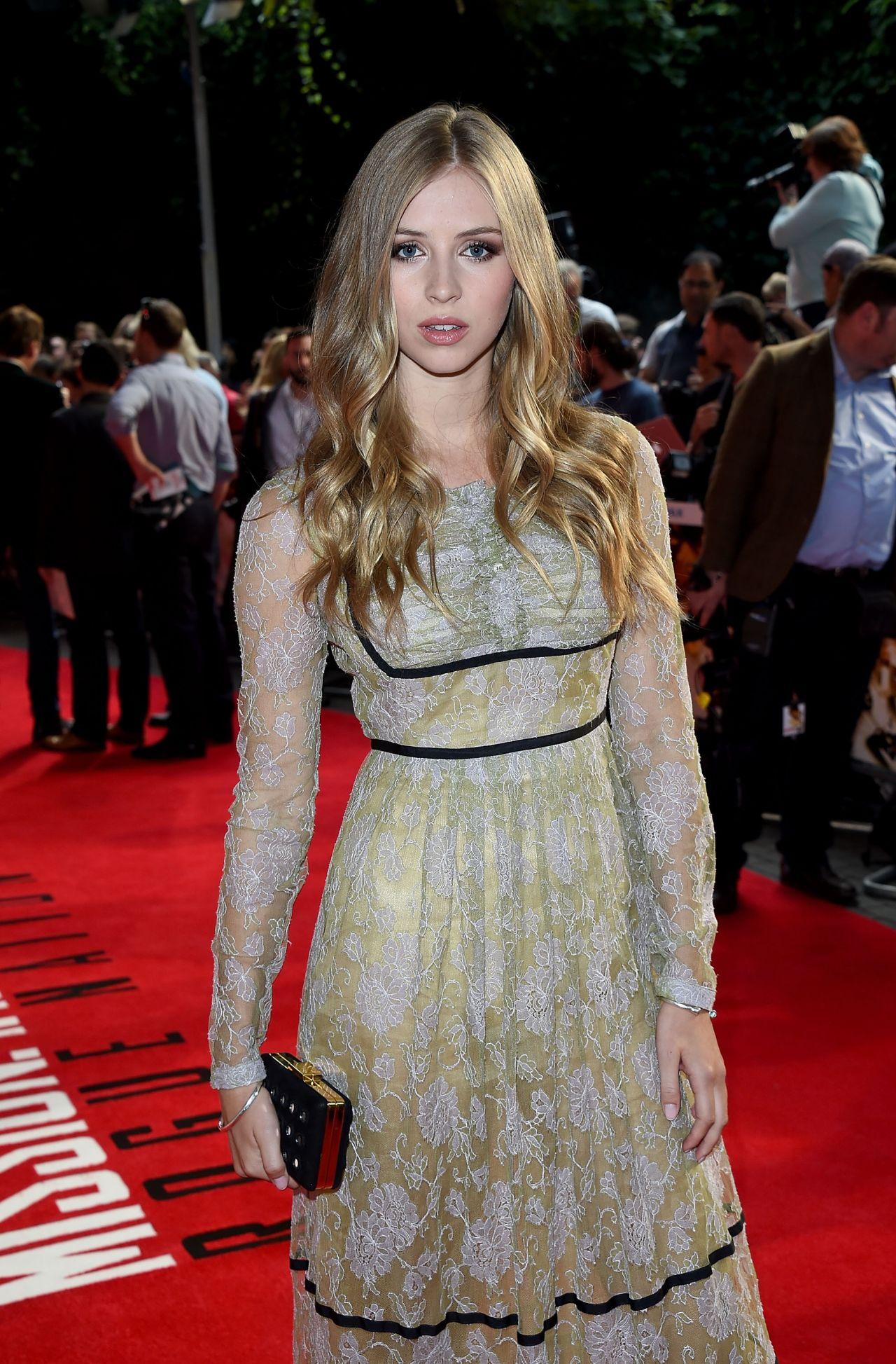 Hermione Corfield – ... Peyton Roi List Kids Choice Awards
