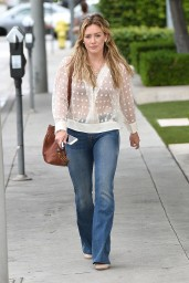 hilary-duff-street-style-out-in-west-hollywood-july-2015_1