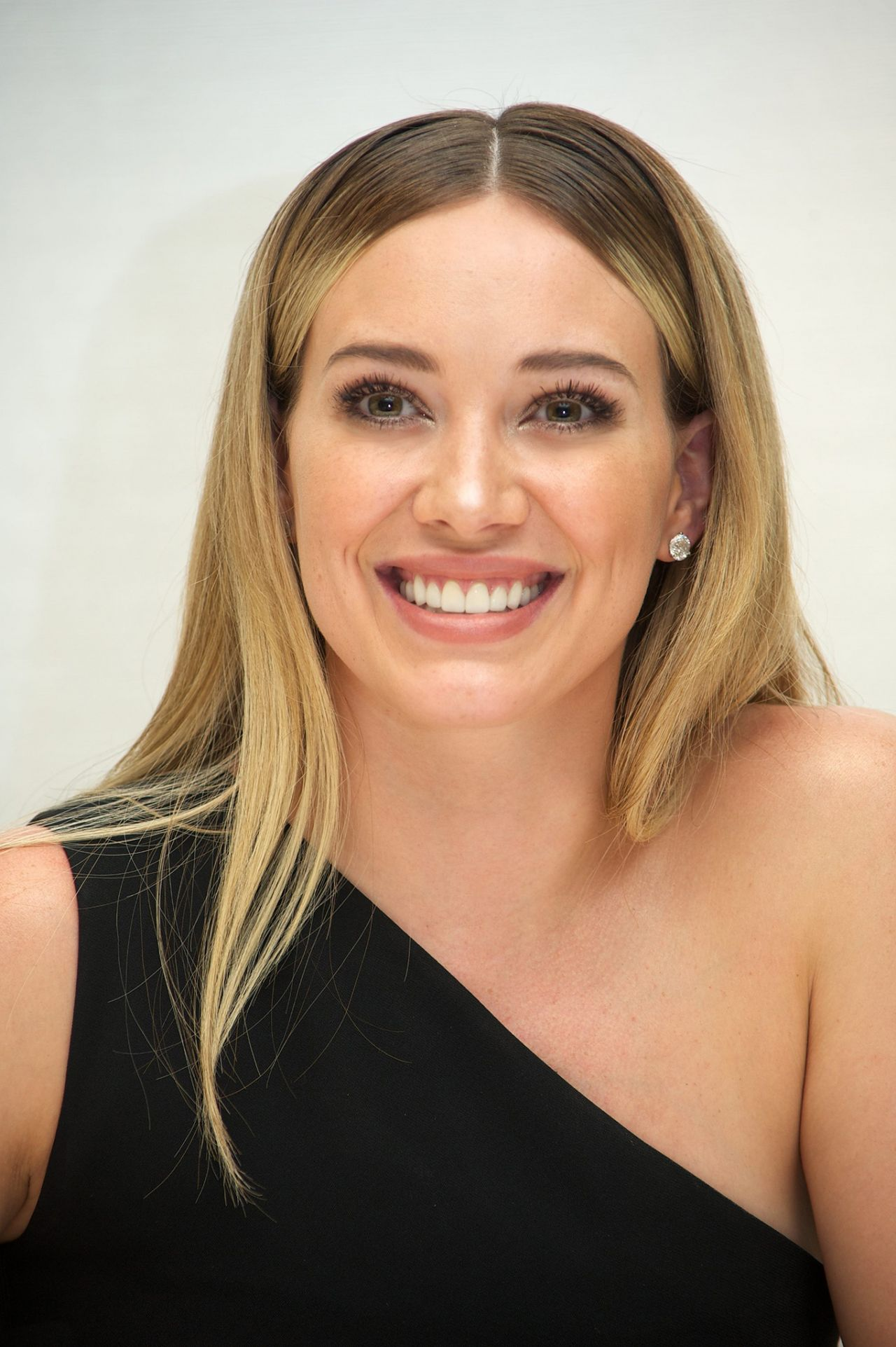 Hilary Duff - 'Younger' Press Conference in Los Angeles