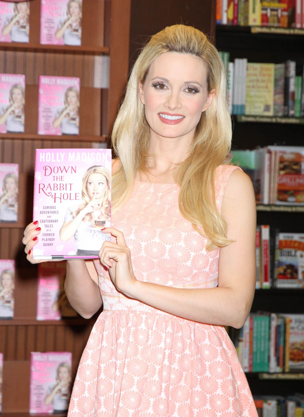 Holly Madison Signing Her Book Down The Rabbit Hole Las Vegas Crystal Harris With Bikini