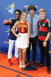 Isabela Moner – 2015 Nickelodeon Kids' Choice Sports Awards in Los Angeles