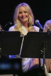 Jennifer Lawrence - Live Reading of