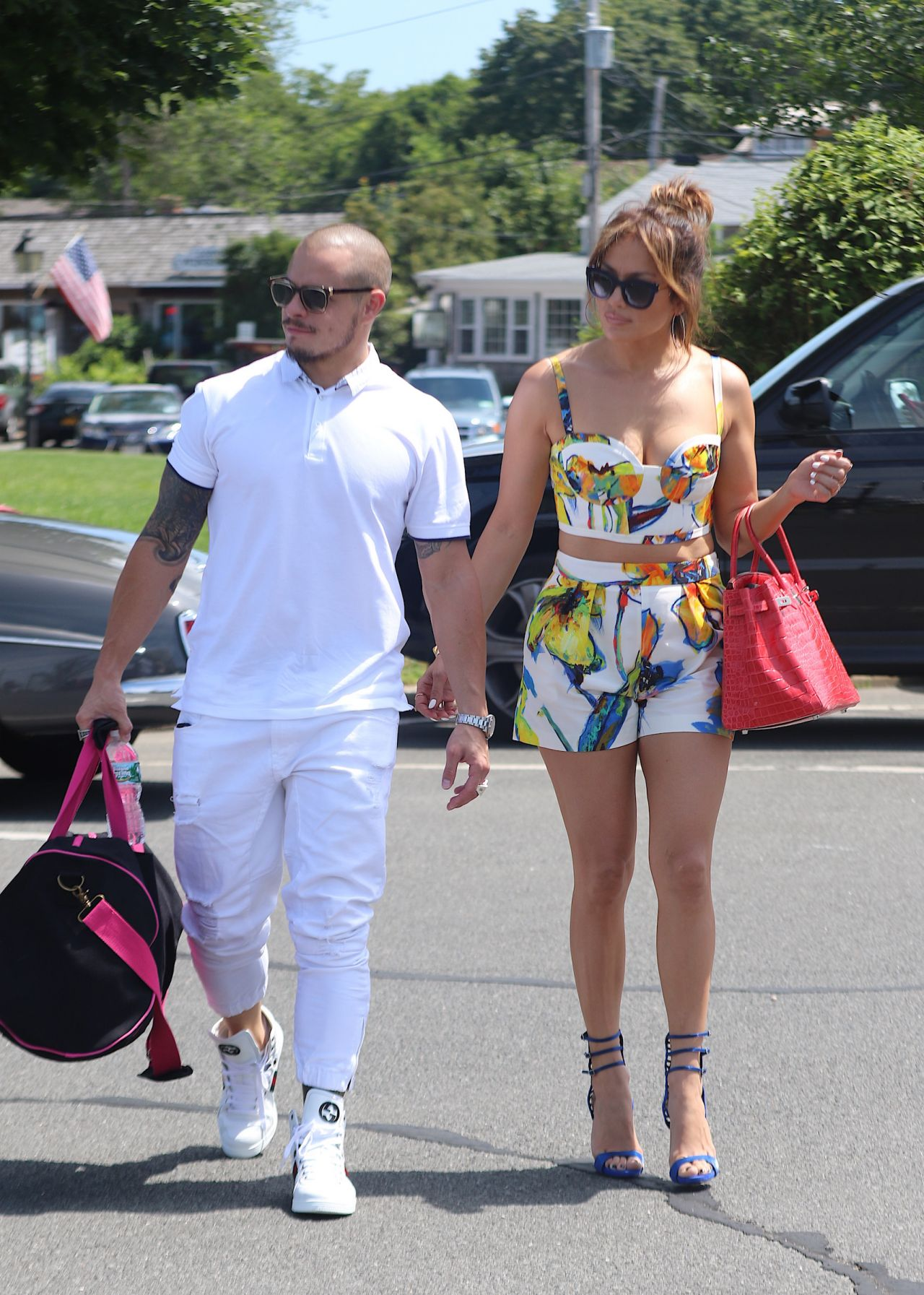 Jennifer Lopez With Family In Sag Harbor On Private