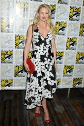 Jennifer Morrison - Once Upon A Time Press Line at Comic Con in San Diego