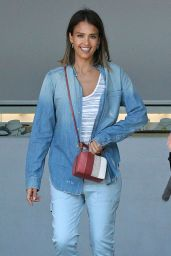 Jessica Alba - Shopping With Friends in Malibu, July 2015