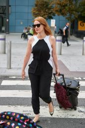 Jessica Chastain Airport Style - at Heathrow, July 2015