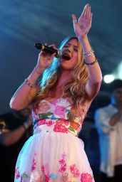 Joss Stone Performs at Cornbury Festival in Oxford, July 2015