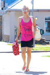 Kaley Cuoco Leaving a Yoga Class in Los Angeles, June 2015