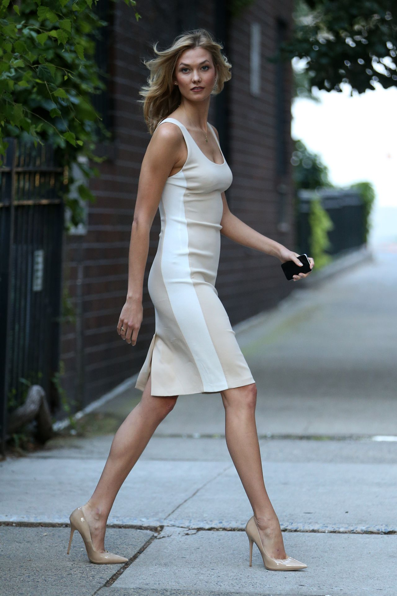 Karlie Kloss Style Stepping Out In Nyc July 2015