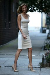 Karlie Kloss Style - Stepping out in NYC, July 2015