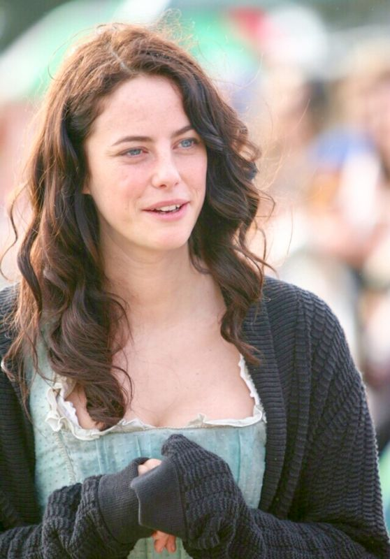 Kaya Scodelario Meets Fans on the Set of