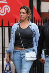 Kelly Brook Casual Style - Out in London, July 2015