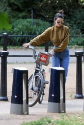 Kendall Jenner - Bike Ride in London