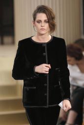 Kristen Stewart - Chanel Fashion Show in Paris - July 2015
