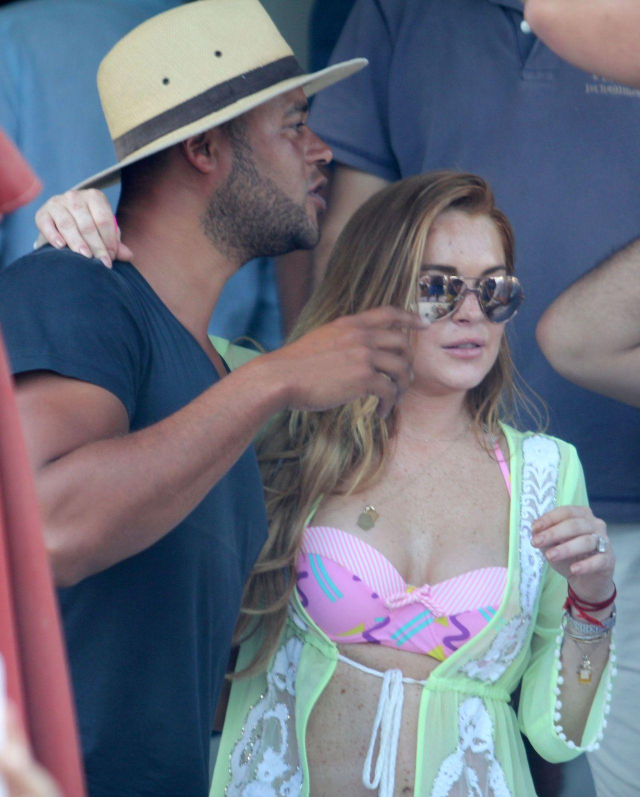 Lindsay Lohan Bikini Candids
