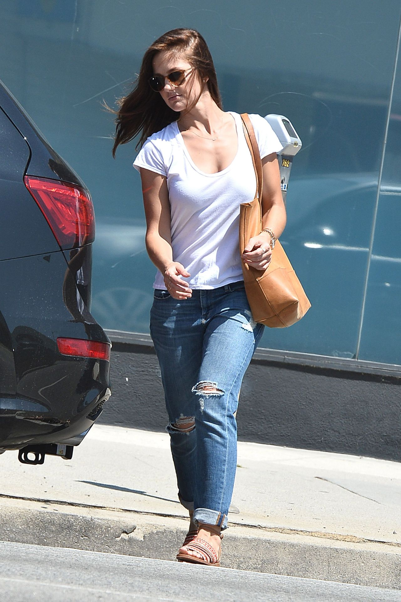 Minka Kelly In Ripped Jeans Out And About In West