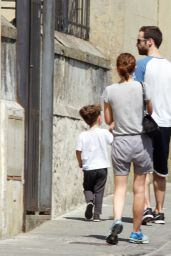 Natalie Portman Street Style - Out in Florence, Italy, July 2015