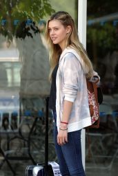 Nicola Peltz and Christina Applegate on the set of