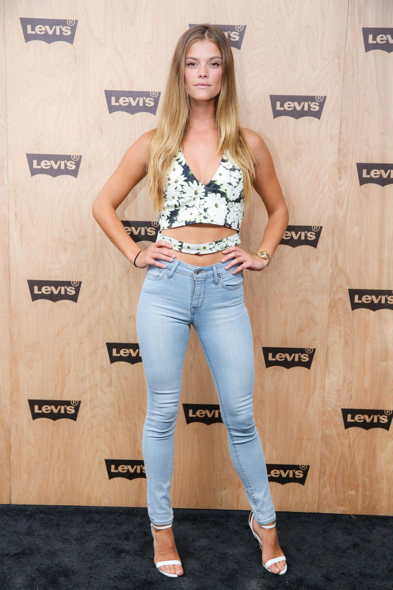 Nina Agdal In Tight Jeans Levi S Women S Denim