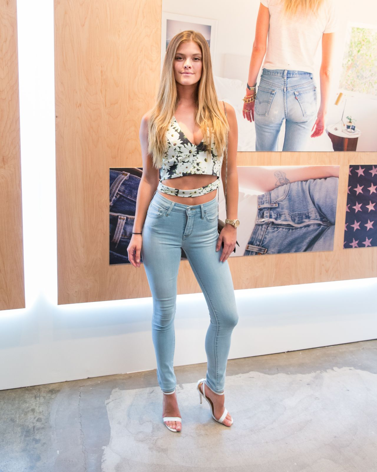 nina agdal in tight jeans levi 39 s women 39 s denim. Black Bedroom Furniture Sets. Home Design Ideas