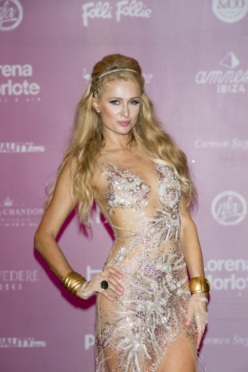Paris hilton opening foam and diamonds event at amnesia - Paris hilton ibiza ...