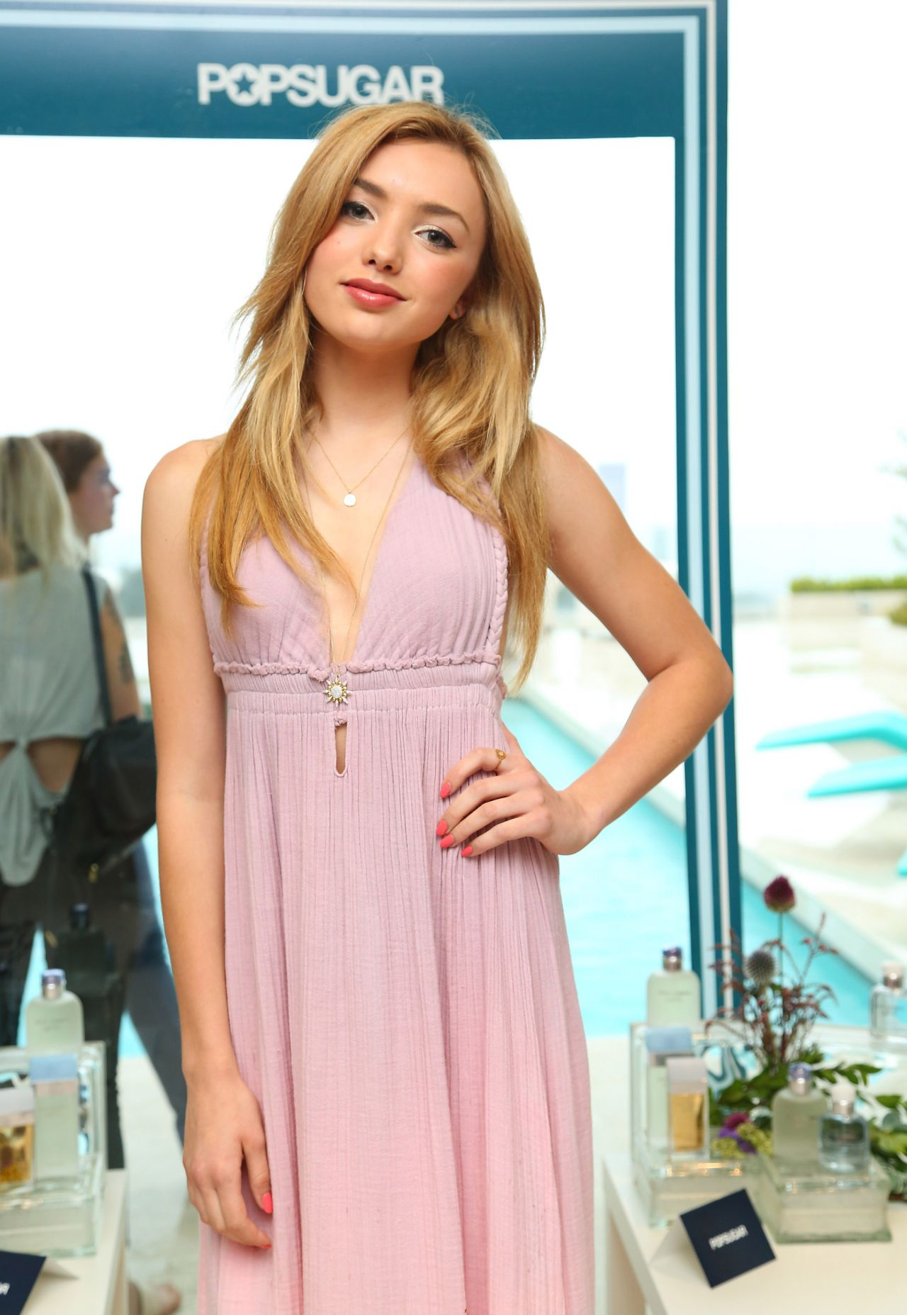 Peyton List Style Popsugar And D Amp G Summer Soiree In Los