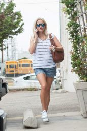 Reese Witherspoon Leggy in Shorts - Visiting a Physical Trainer in Los Angeles, July 2015