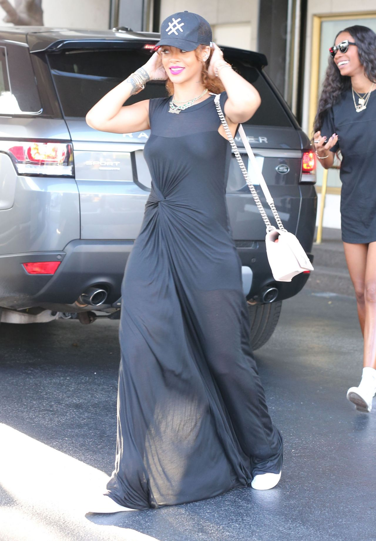 Rihanna Casual Style Shopping In Beverly Hills July 2015