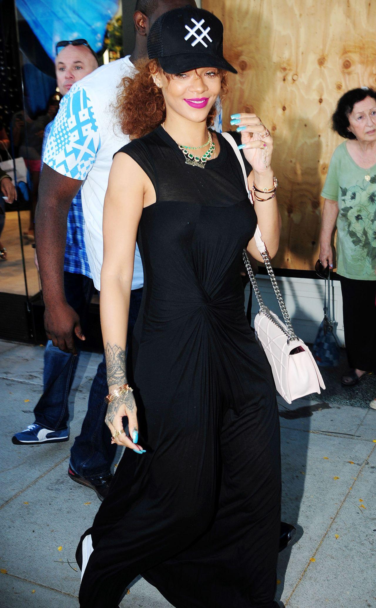 Rihanna Casual Style Rihanna Casual Style Out In New York City January 2015 Rihanna Casual