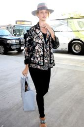 Rosie Huntington-Whiteley Airport Style - at LAX, July 2015