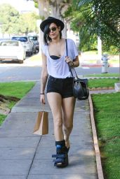 Rumer Willis - Butt Cheeks & Fracture Boot, Beverly Hills, June 2015