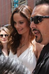 Sarah Wayne Callies Arriving at Comic-Con, July 2015