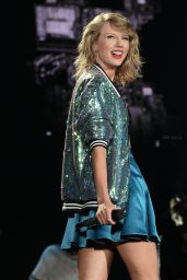 Taylor Swift - 1989 World Tour Concert in East Rutherford, New Jersey