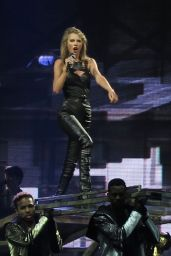 Taylor Swift - 1989 World Tour Concert in Montreal