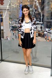 Victoria Justice - On Set of